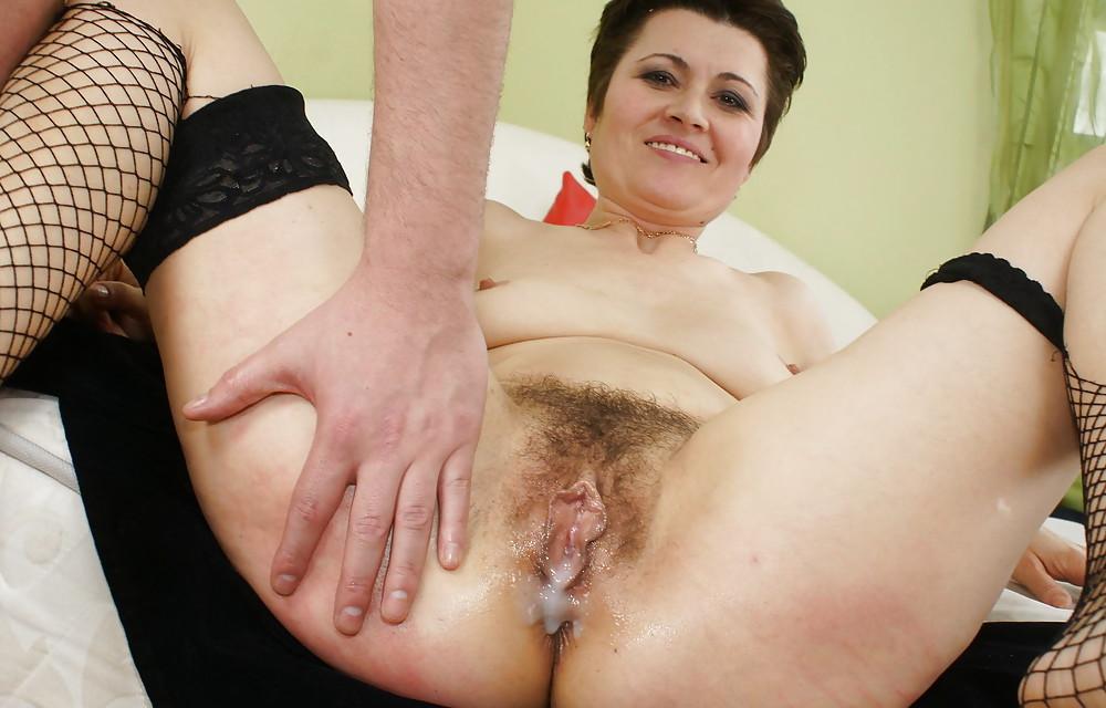 Пизда пизды старые волосатая сперме дырки огромные в фото порно