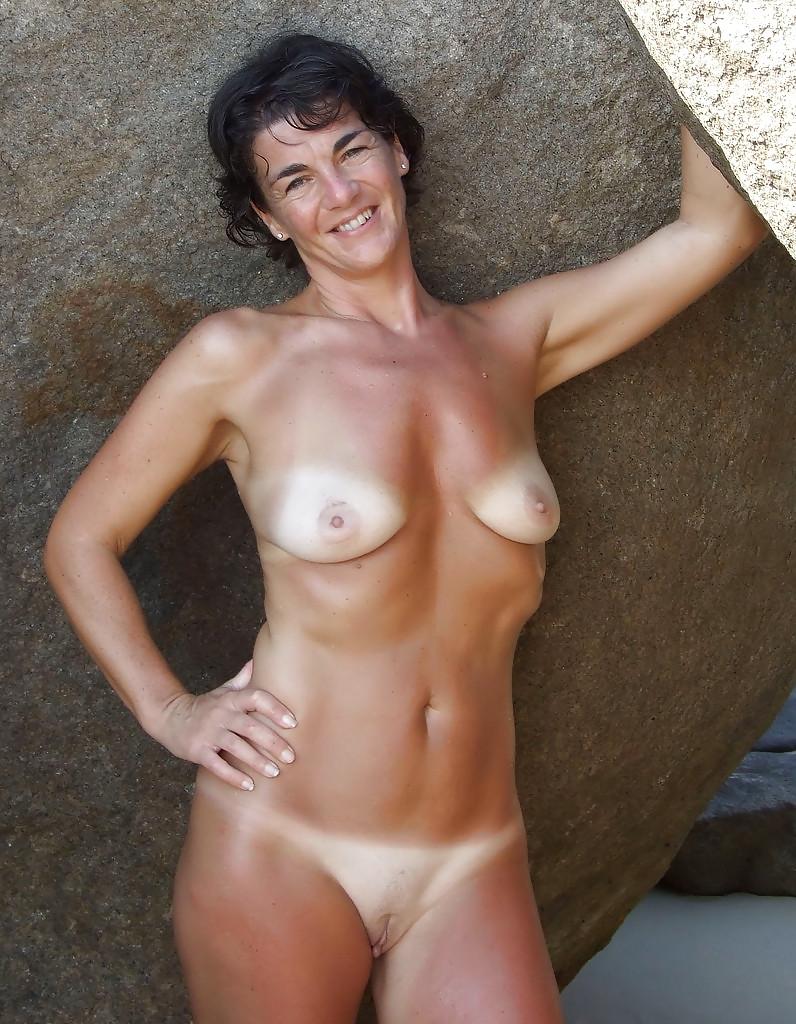 Christina aguilera huge boobs